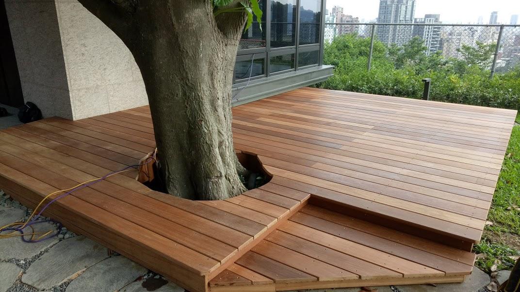 天母招待所鋼構木平台、格柵-南洋櫸木
